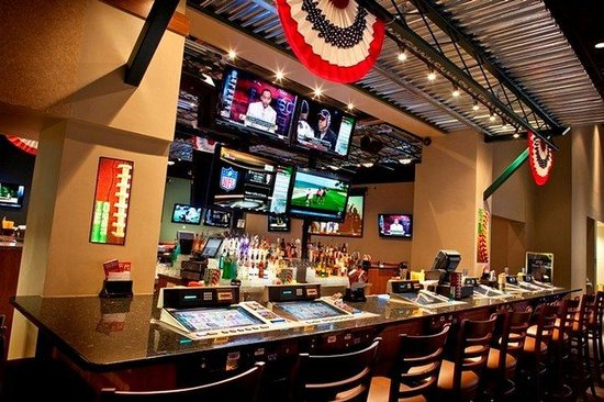 Swinomish Casino & Lodge: 10 Sports Bar