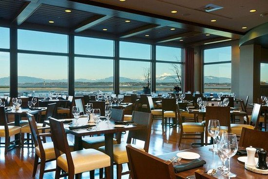 Swinomish Casino & Lodge: 13moons Restaurant View