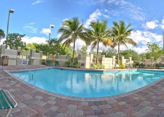 Comfort Suites Weston  - Sawgrass Mills South: Pool