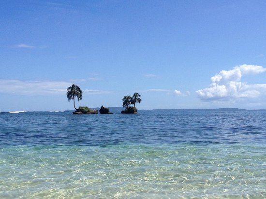 Isla Zapatillas : One of the best beaches ever!