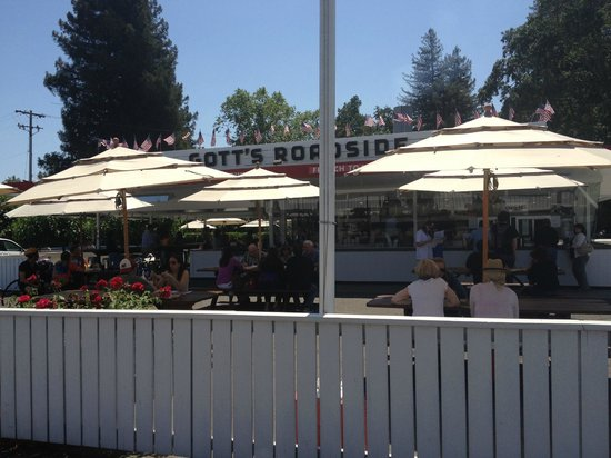 Gott's Roadside: Gott's Seating