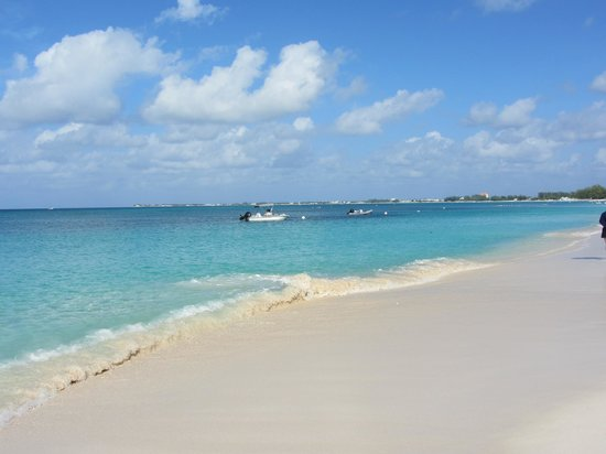 The Ritz-Carlton, Grand Cayman: Clear Blue Waters with White Sand