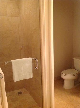 The Ritz-Carlton, Grand Cayman : Bathroom