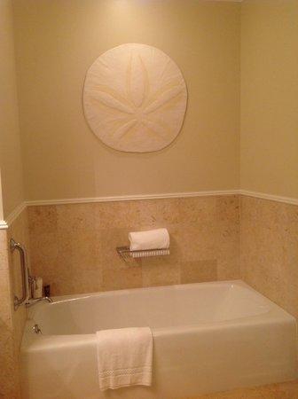 The Ritz-Carlton, Grand Cayman: Bathroom