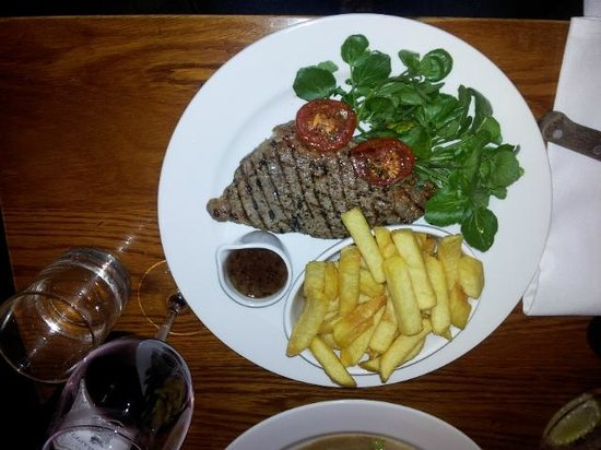 Wheelwrights Arms : Dining