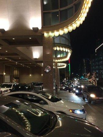 The Fairmont Dallas : The valet area