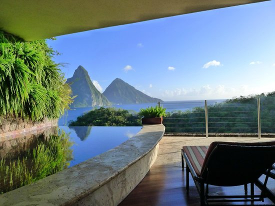 Jade Mountain Resort: View from JB-4
