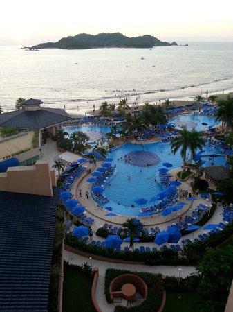 Azul Ixtapa Beach Resort & Convention Center: Love The View!