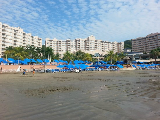 Azul Ixtapa Beach Resort & Convention Center: From The Beach.