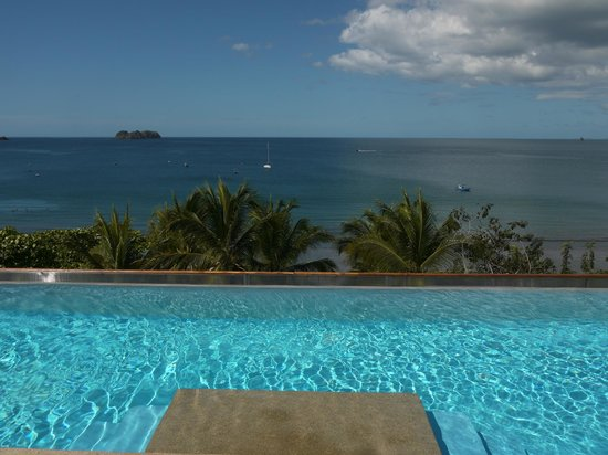 La Gaviota Tropical: The rooftop infinity pool