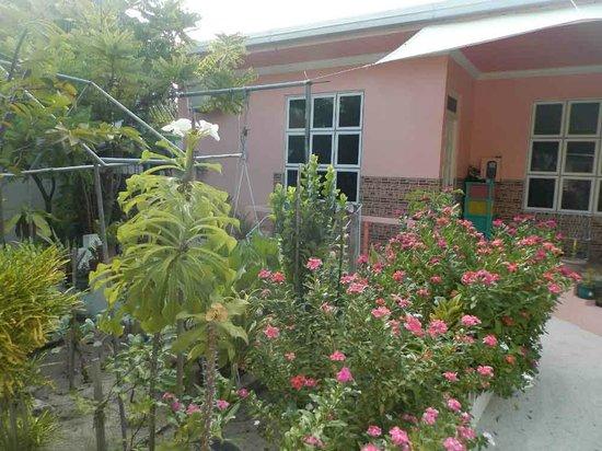 Maafushi Island: Вход в номер
