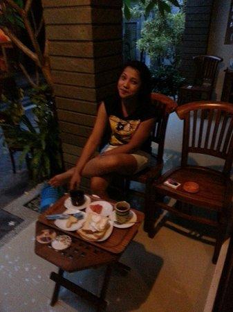 Dewi Homestay: Breakfast