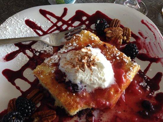 Palm Springs Rendezvous: Berry pancake....yum!