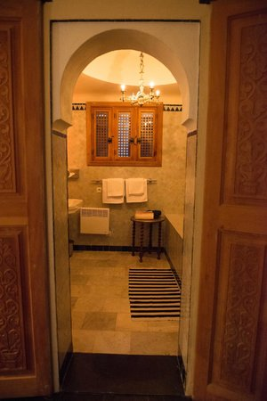 Hotel Nord-Pinus Tanger: Entry to the bath