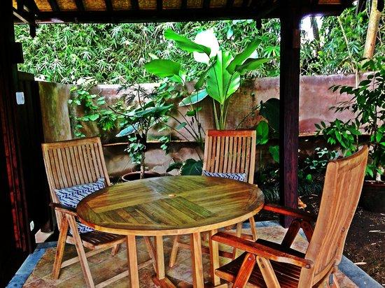 Yabbiekayu Homestay Bungalows : Homey Terrace