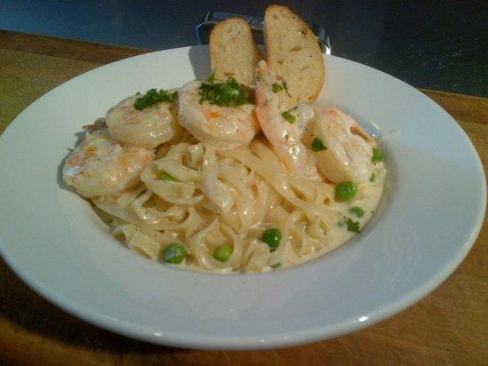 Arturo's seared shrimp, sweet pea and tarragon alfredo tagliatelle