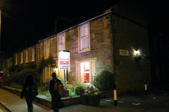 Averon Guest House: Cozy, traditional part of Edinburgh.
