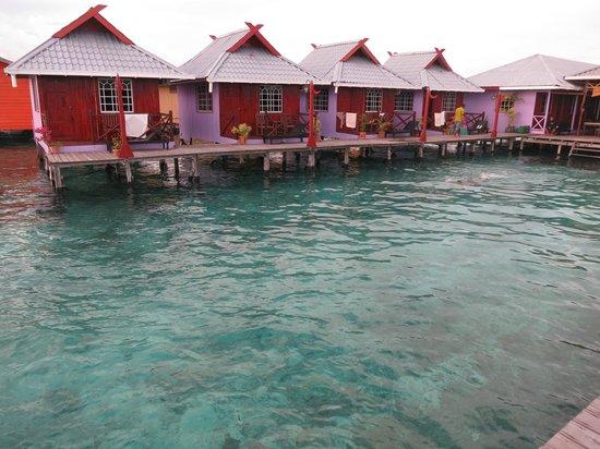 Billabong Scuba Homestay: the water chalets