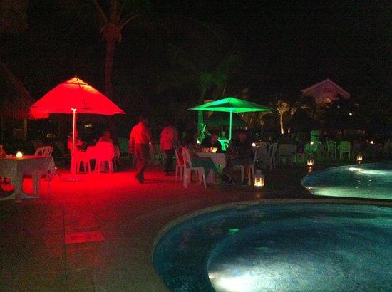 Luxury Bahia Principe Ambar Blue Don Pablo Collection : Pool night