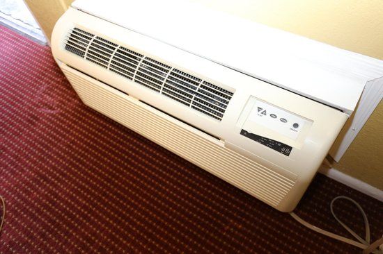 Travelodge Phoenix Downtown: Air Condition