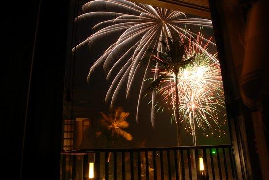Centara Grand Beach Resort & Villas Krabi: Fireworks on new year's eve
