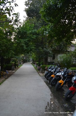 River Kwai Bridge Resort : View of the passage