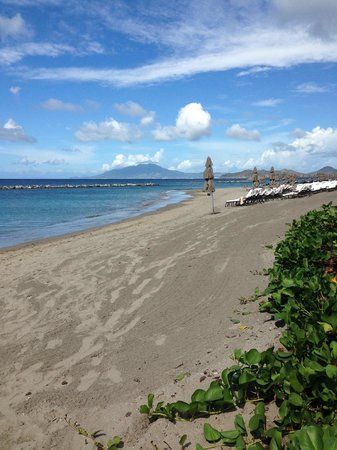Four Seasons Resort Nevis, West Indies : Four Seasons Beach
