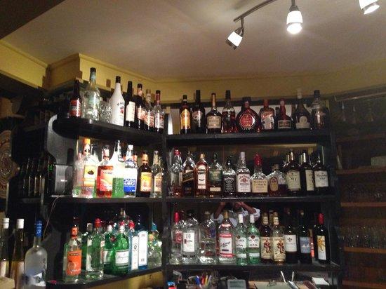 Bombay Bar & Grill : Bar