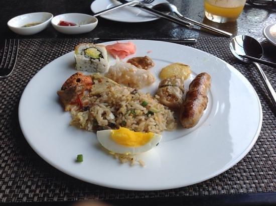 The Sakala Resort Bali: 朝食  何でもあるけど…?