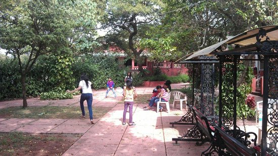 Hotel Shree Paradise: Garden and Play area opp SDX AC ROOMS (Heritage Rooms)