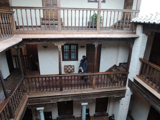 HOTEL CASA MORISCA: 廊下
