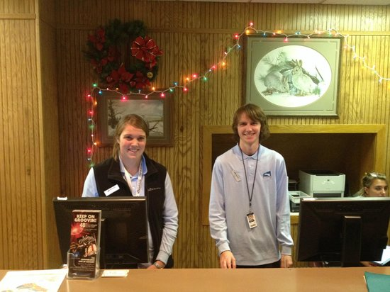 Silver Creek Lodge : Silver Creek Reception - All very nice and helpful (that's Taylor on Right)