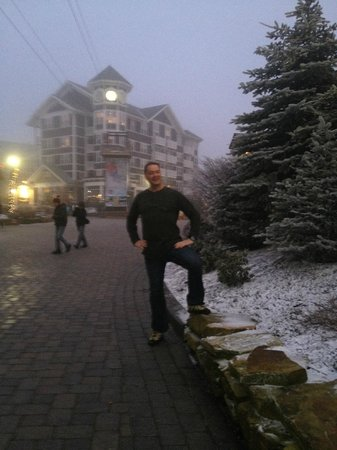 Silver Creek Lodge: At the village (rooms run there 1200/ngt)