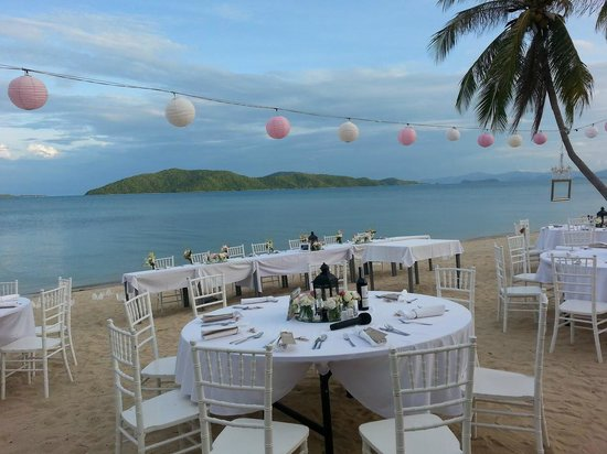 Centra by Centara Coconut Beach Resort Samui : Beach Reception