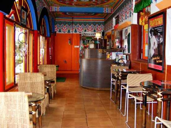 Doma's Inn: Lobby & Reception area