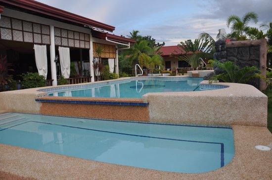 Bonita Oasis Beach Resort: Pool