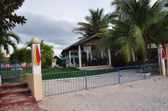 Bonita Oasis Beach Resort: Beach area