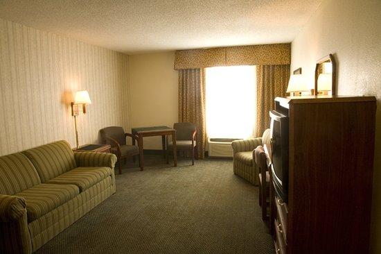 FairBridge Inn & Suites Idaho Falls : Living Room Suite