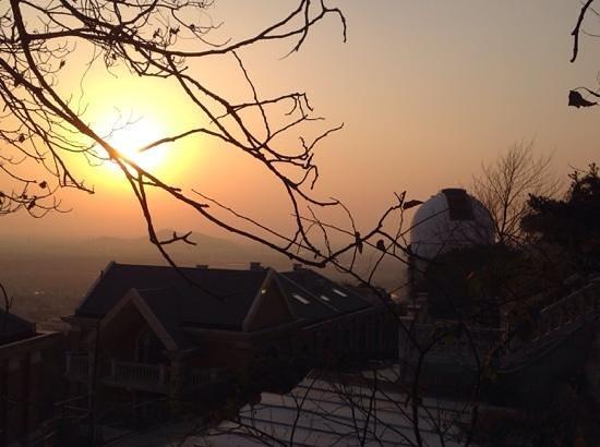 Sheshan Forest Park: Sonnenuntgang hinter der Sternwarte