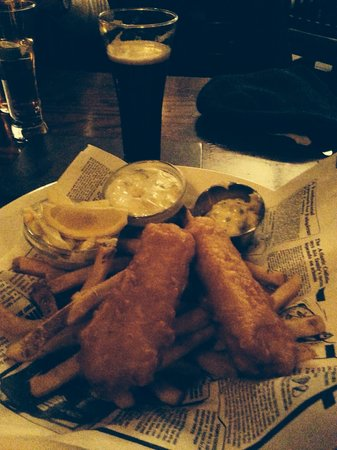 Dubh Linn Gate Irish Pub : Fish and Irish Chips