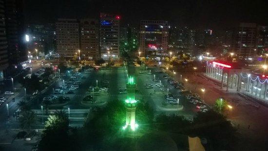Cristal Hotel Abu Dhabi: View at night