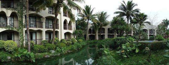 Promisedland Resort & Lagoon : Stream running through the resort