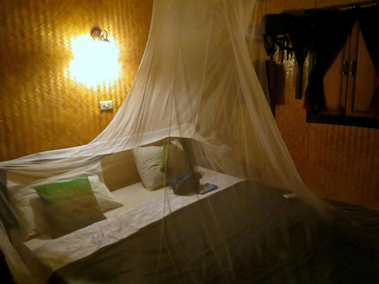 Mook Lanta Resort : Fully functional mosquito net.