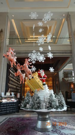 Siam Kempinski Hotel Bangkok : Christmas Deco