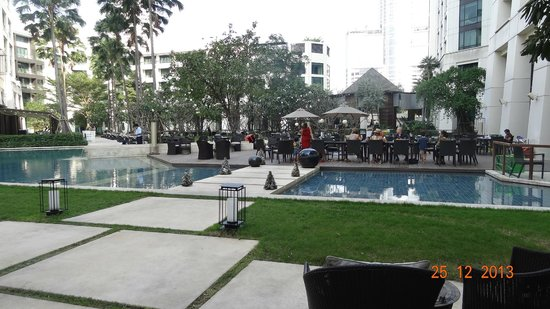 Siam Kempinski Hotel Bangkok : Swimming Pool