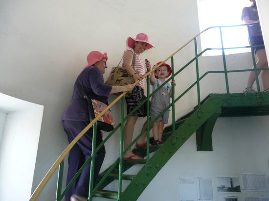 Cape Naturaliste Lighthouse: Climbing to the top is easy for older folk and kids