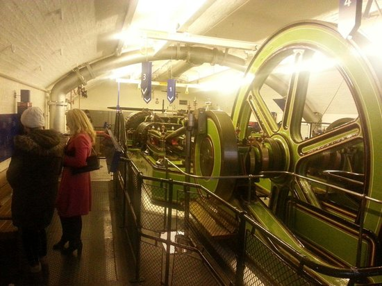 Premier Inn London Tower Bridge Hotel: Engine room in the North Tower