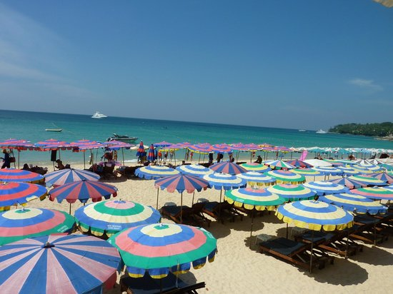 Choeng Thale, Tajlandia: Too many beach chairs