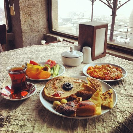 Aydinli Cave Hotel: breakfast with a view
