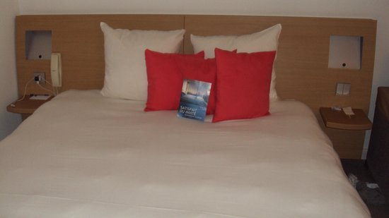 Novotel Paris Les Halles: Room all cleaned and redone